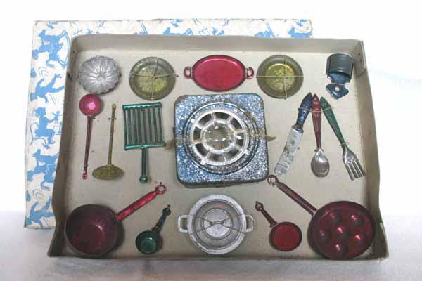 Cocina con utensilios fabricante desconocido for Utensilios antiguos de cocina