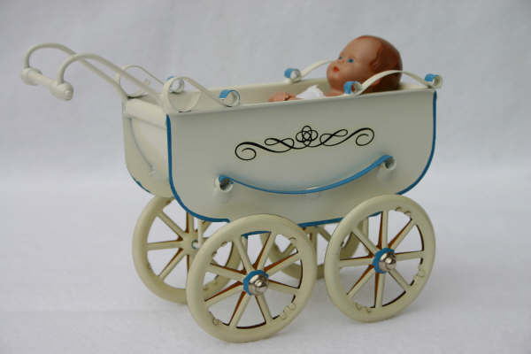 Carro cuna con bebé - TUCHER & WALTHER